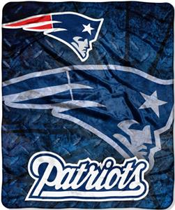 Northwest NFL New England Patriots Roll Out Throws