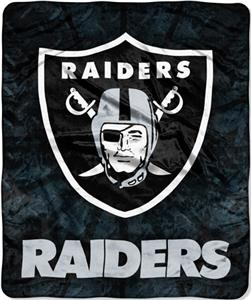 Northwest NFL Oakland Raiders Roll Out Throws