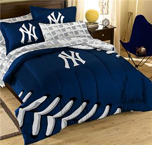 Northwest MLB Yankees T/F Embroidered Comforter