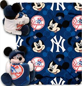 "Northwest MLB Yankees 40""x60"" Mickey Throws"