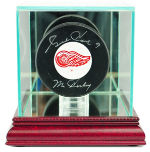 Perfect Cases Single Hockey Puck Display Cases